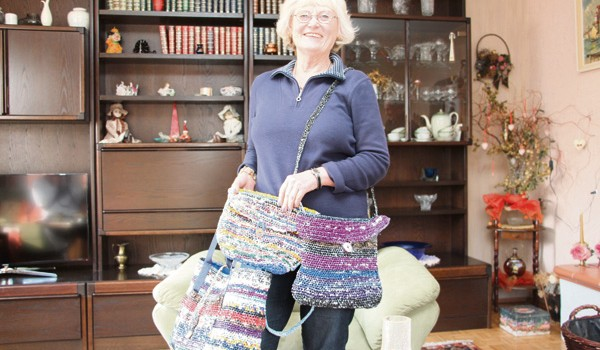 Handtaschen Aus Plastiktüten Wochenspiegel Am Sonntag