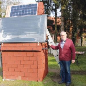 Heinz Zündorf hilft der Natur etwas nach. Foto: so