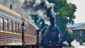 In 150 Stunden zieht die Dampflok den Zug durch Sibirien Fotos: Grewe